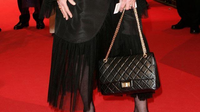 Chanel 2 55 Ein Handtaschen Portrat